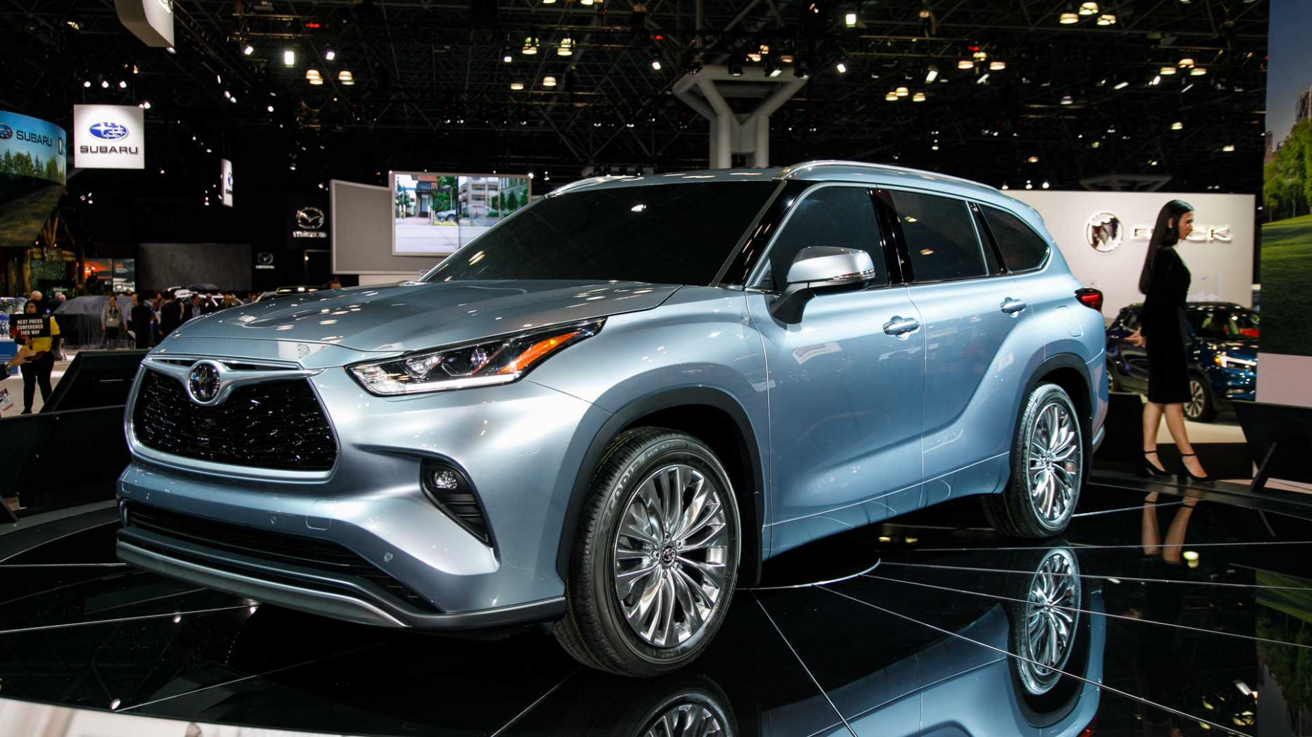 Video: 12 Toyota Highlander Is The Brand's Best Looking Yet