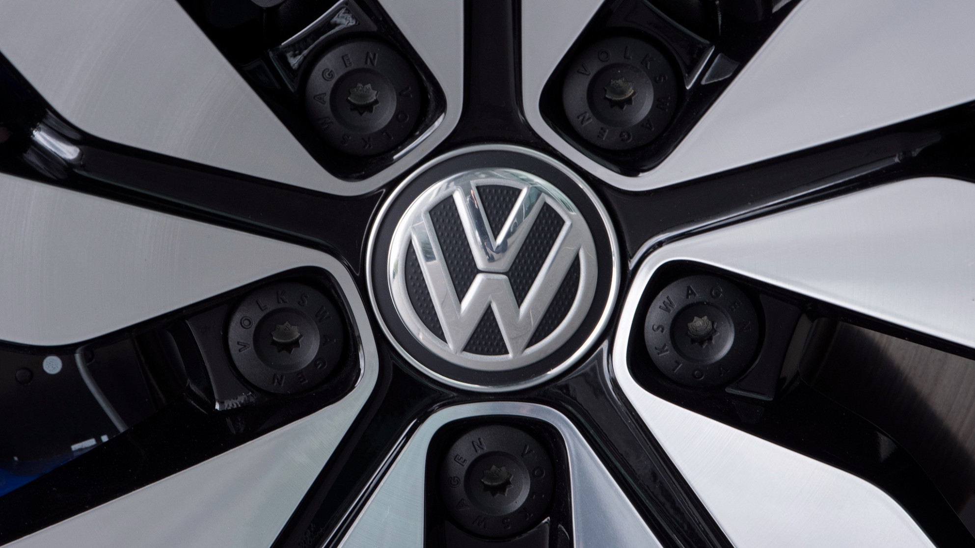 Volkswagen brand boosts 10 margin target as cost cuts pay off ...