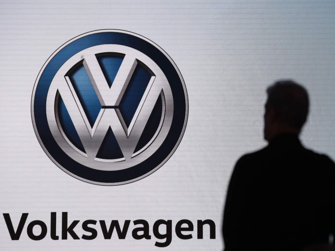 Volkswagen in talks to settle German 'dieselgate' mass lawsuit ...