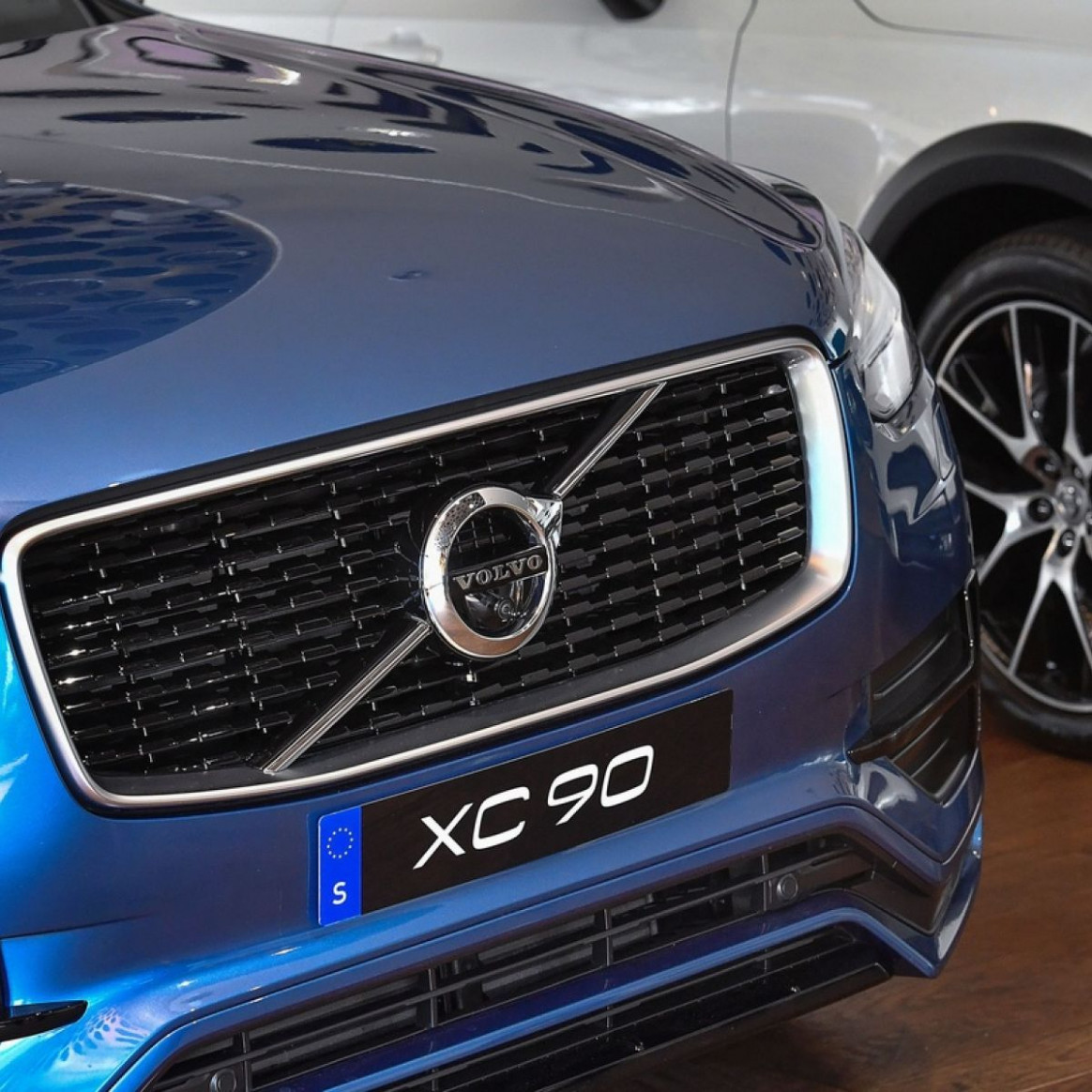 volvo hong kong price list 8 New Review 8*8 - volvo hong ..