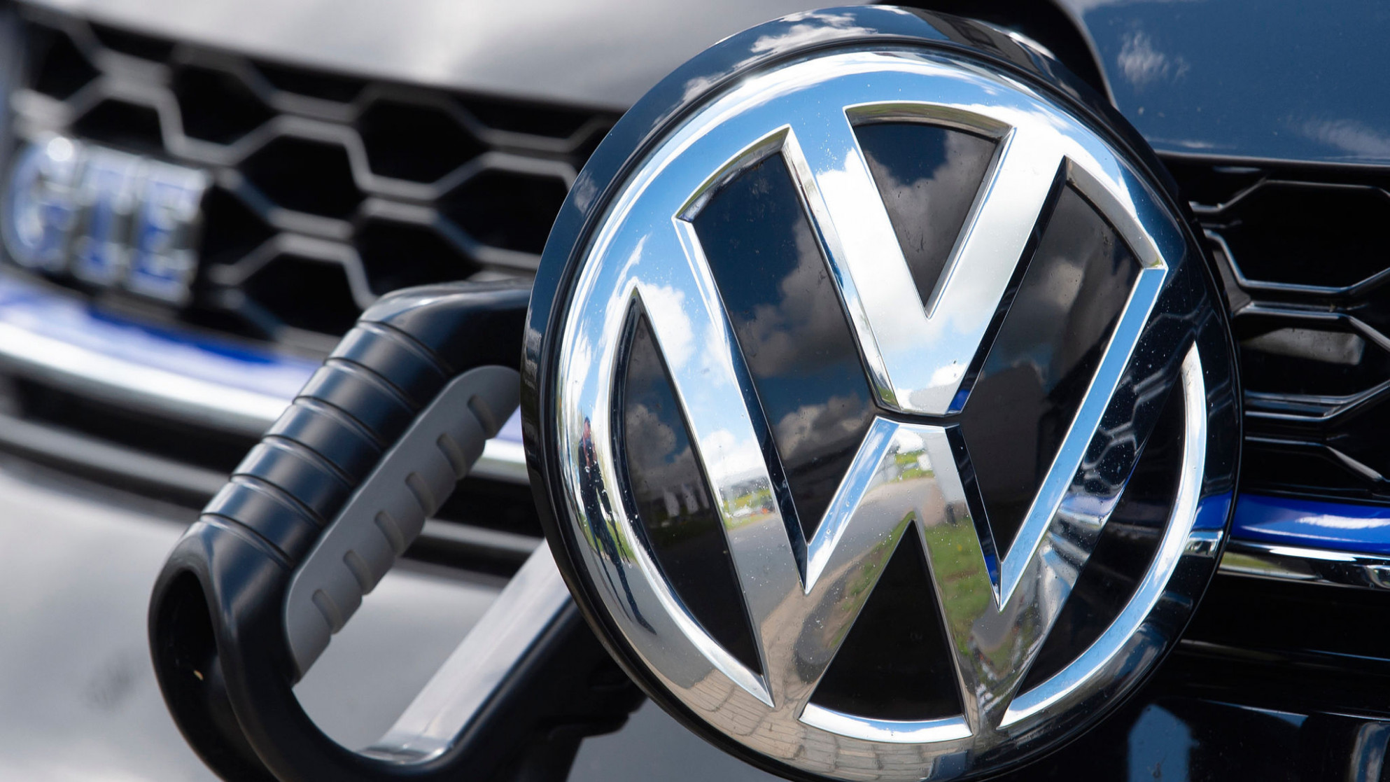 VW offers direct payouts to sidestep emissions lawsuit | Financial ..