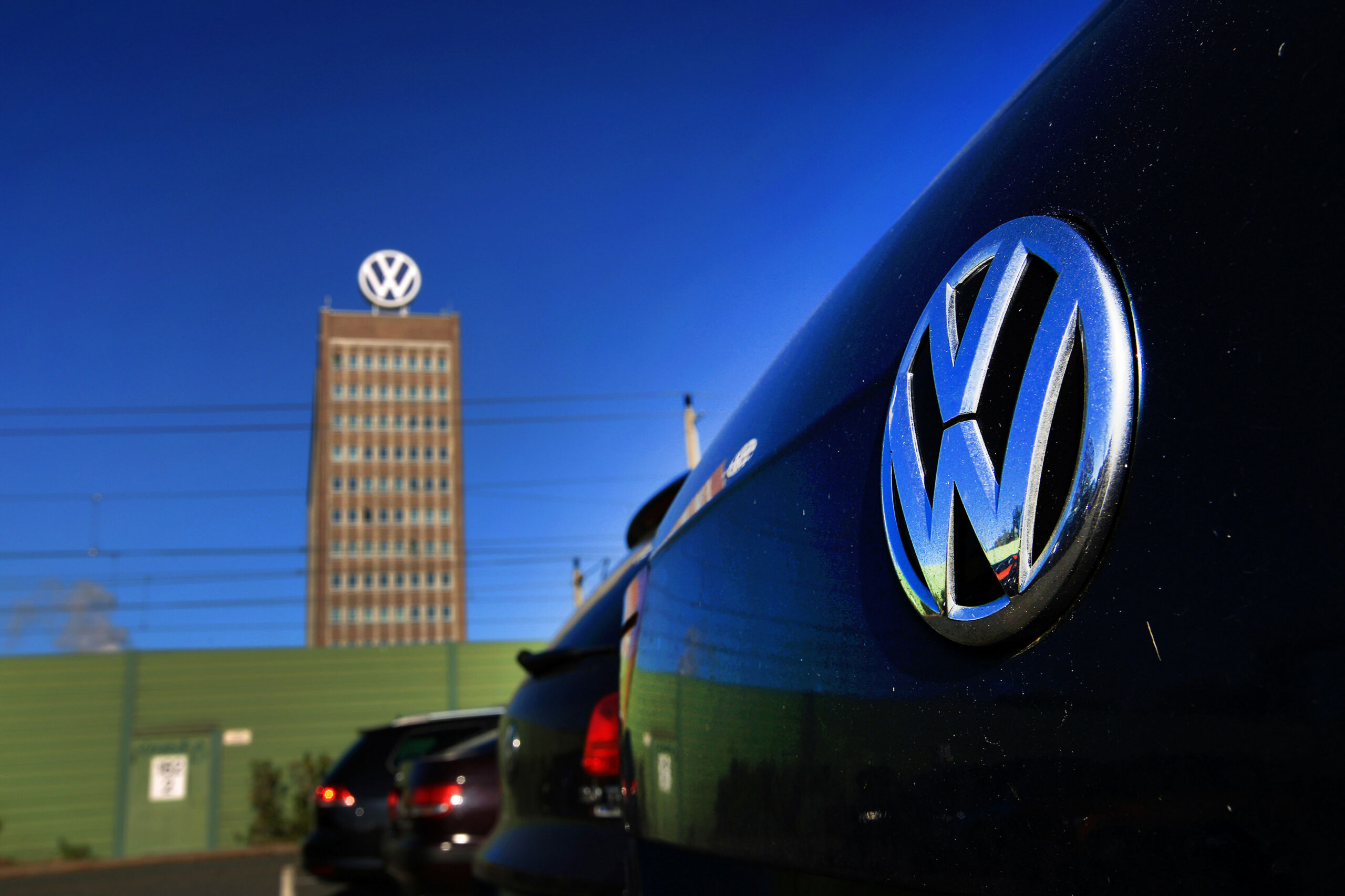 VW Reaches $11 Million Pact in German Car-Owners' Mass Lawsuit ...