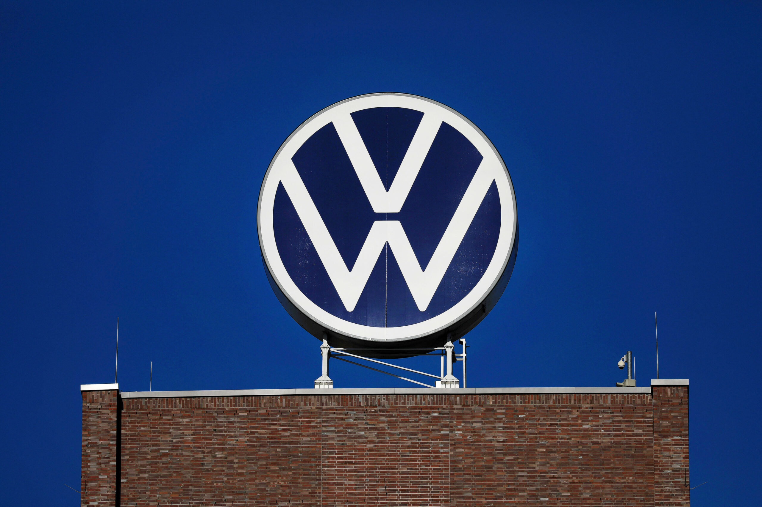 VW to Sound Out Settlement in German Car-Owners' Mass Lawsuit ...