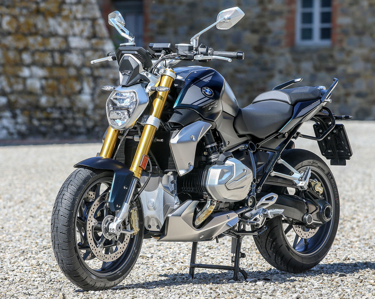 6 BMW R 6 R and RS First Look (6 Fast Facts + Prices)