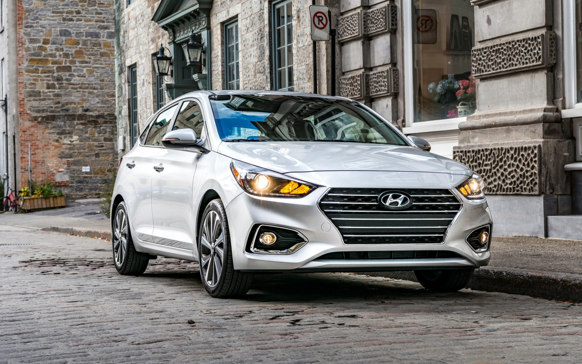 6 Hyundai Accent Adds CVT, Drops Sedan - The Car Guide - 2020 hyundai accent