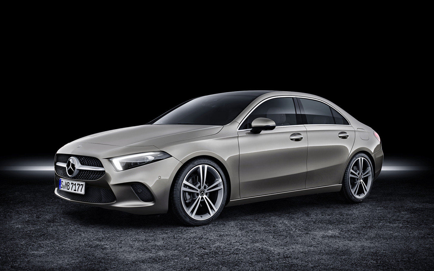 6 Mercedes-Benz A6 Sedan: Thai price and specs - mercedes thailand price list 2020