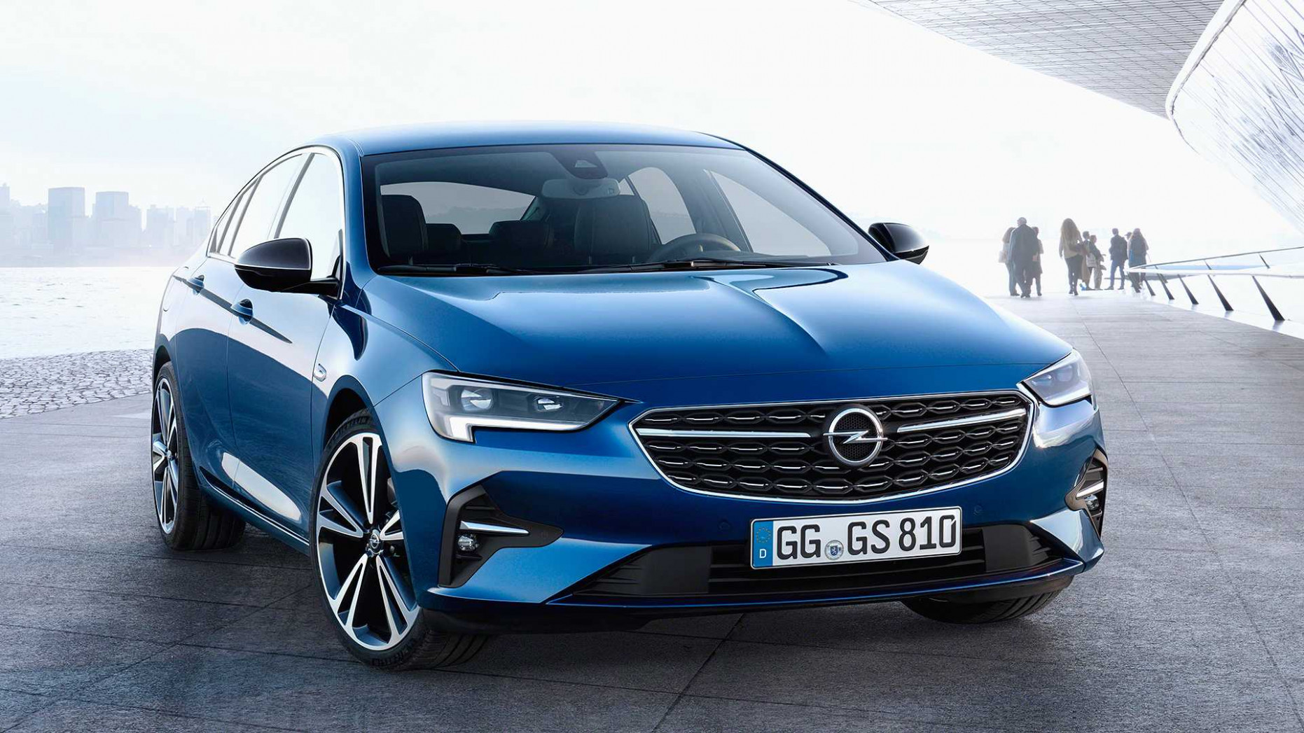 6 Opel Insignia Gets The Mildest Of Facelifts