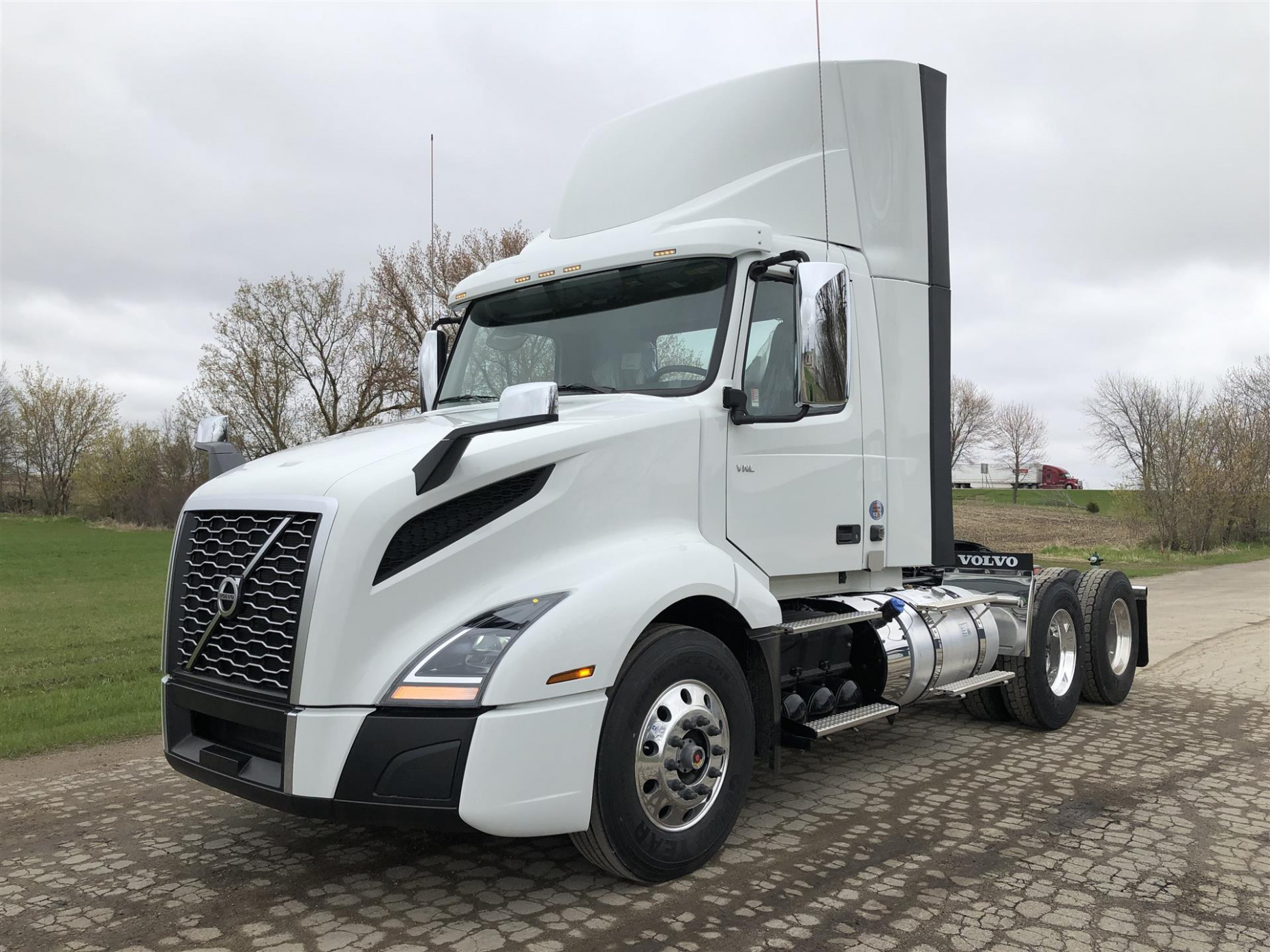 6 Volvo VNL6T6 (For Sale) | Day Cab | #6694