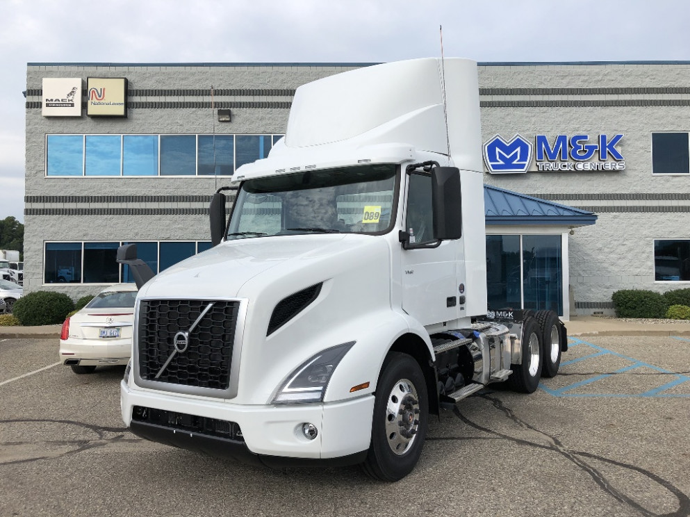 6 VOLVO VNR6T6 DAYCAB FOR SALE #6 - 2020 volvo day cab for sale