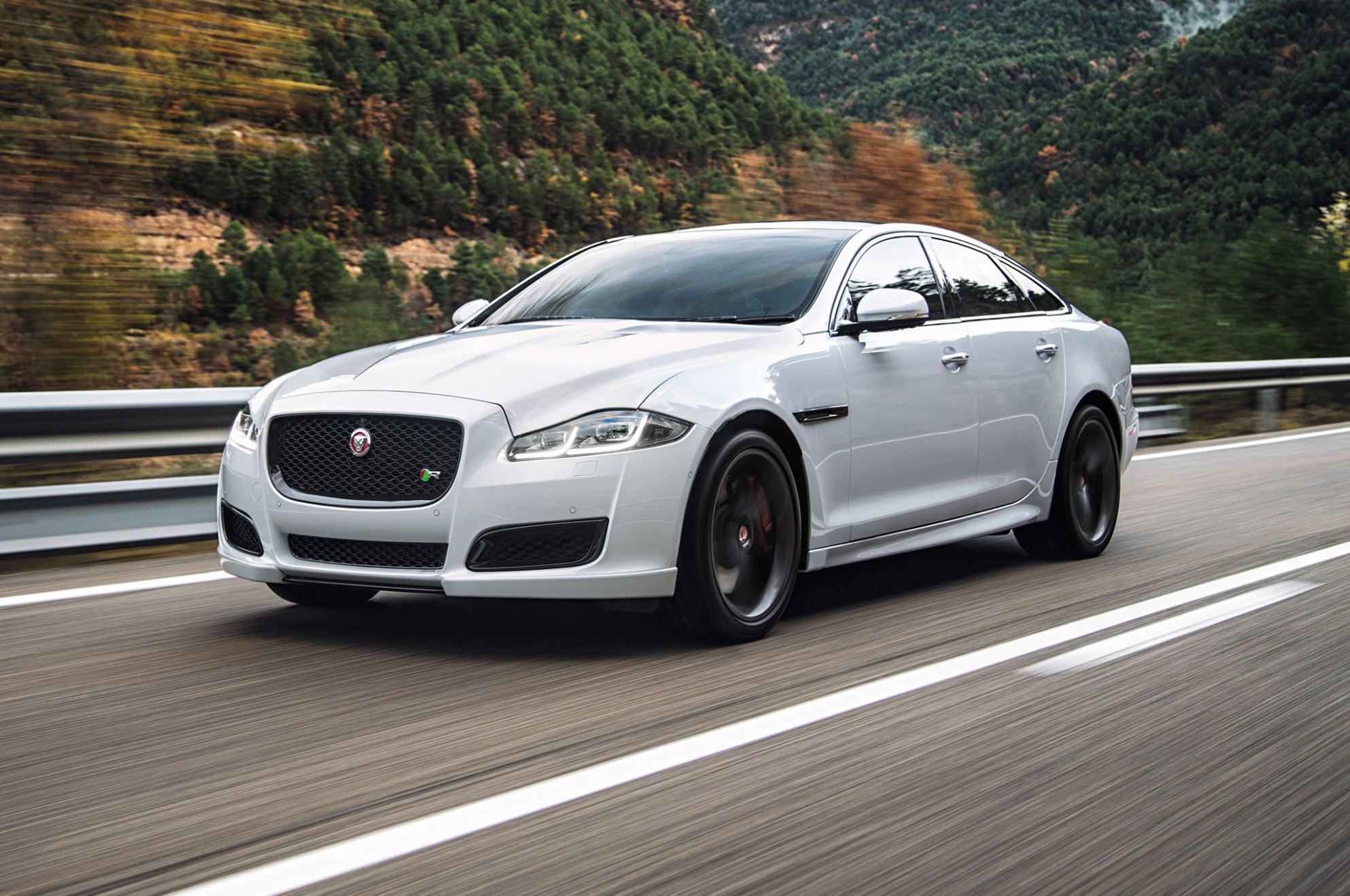 7 Jaguar XJ Unveiled - 2020 white jaguar xj