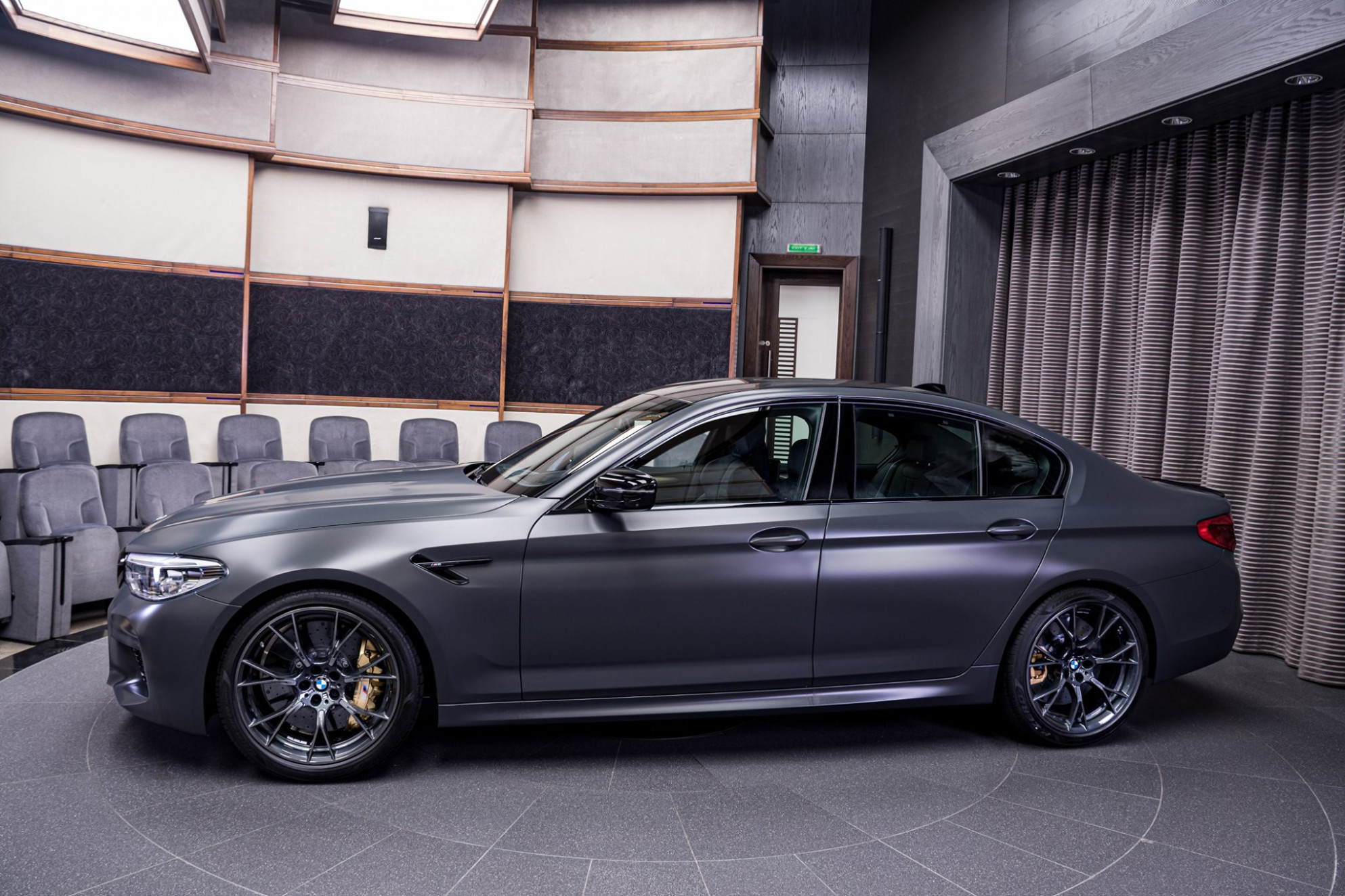 7 Jahre BMW M7: Exklusive Power-Limo in Frozen Dark Grey