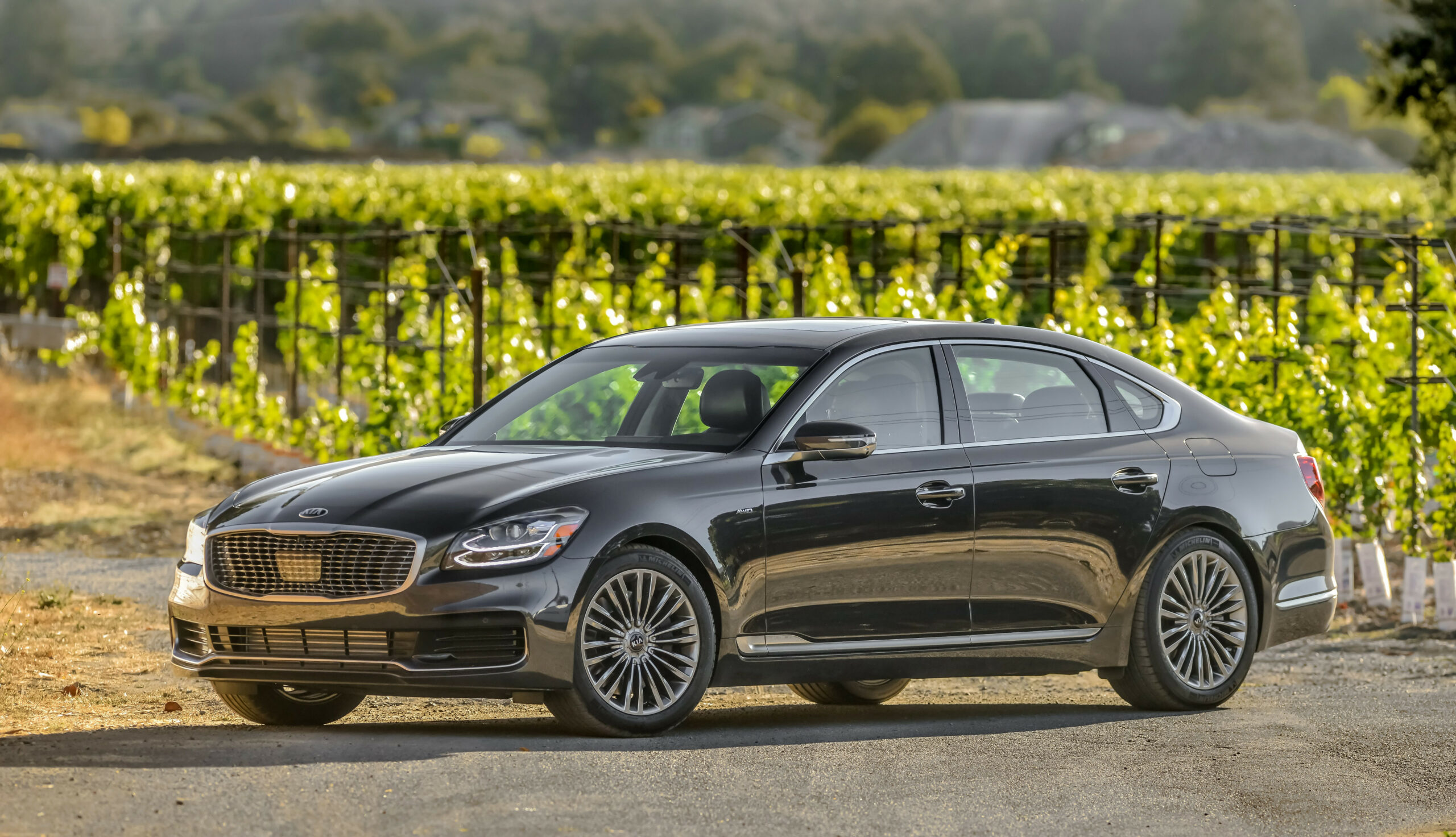 7 Kia K7 Review, Pricing, and Specs