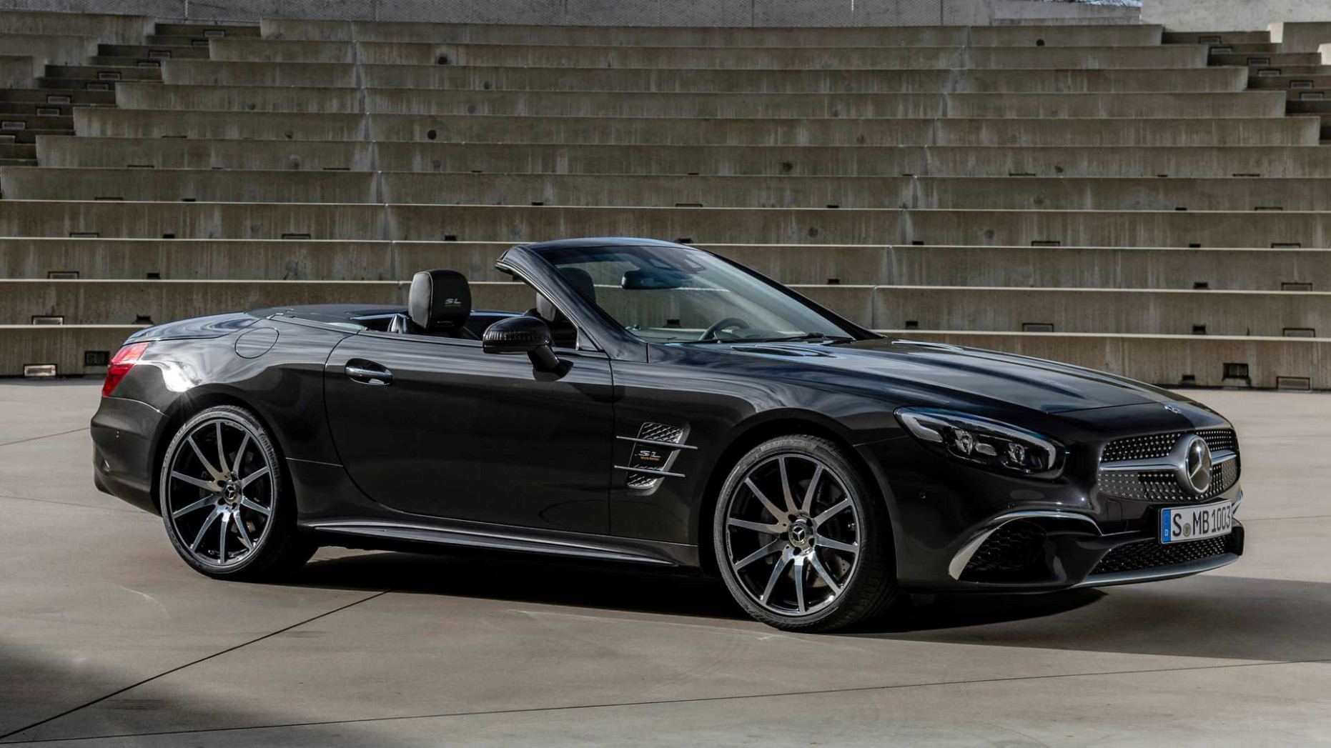 7 Mercedes SL-Class Grand Edition Debuts With Posh Upgrades - 2020 mercedes sl550