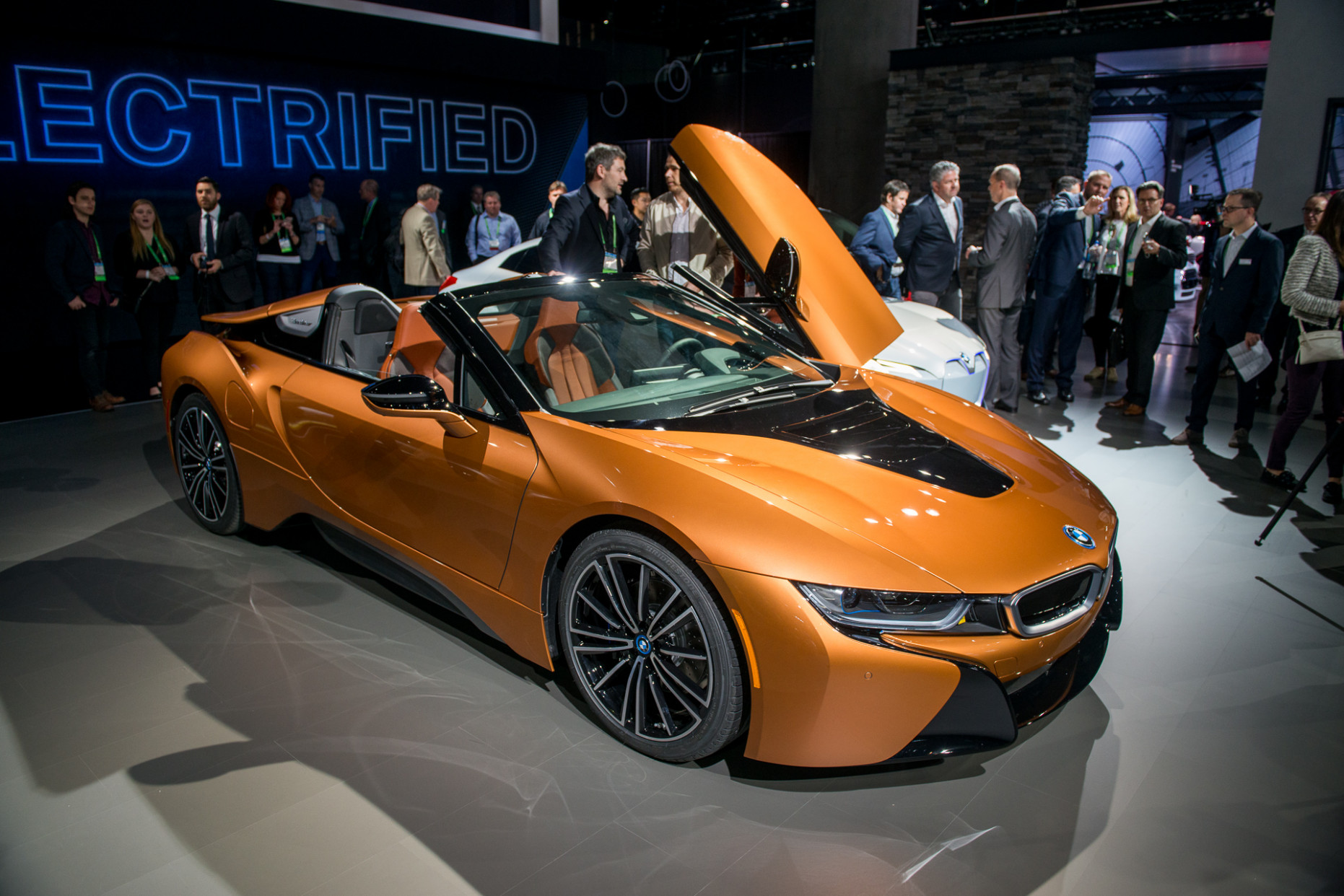 8 BMW i8: larger battery, more range, plus new Roadster priced ...