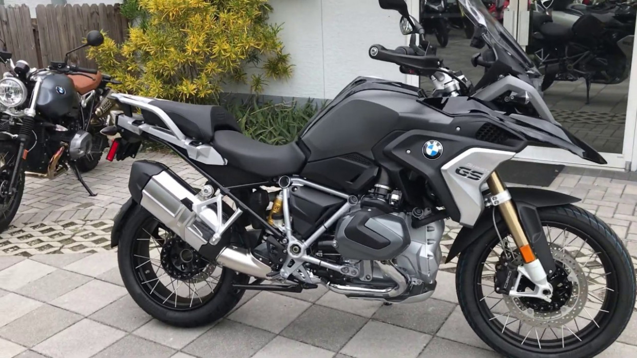 8 BMW R 8 GS Low in Black Storm Metallic at Euro Cycles of Tampa Bay - bmw r1250gs 2020