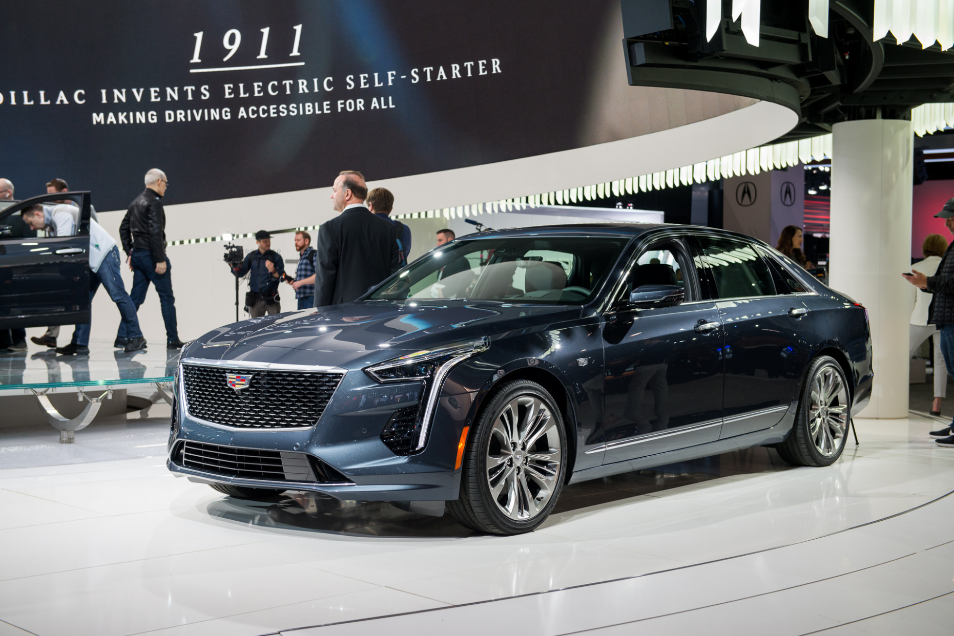 8 Cadillac CT8 to cost more for its final year