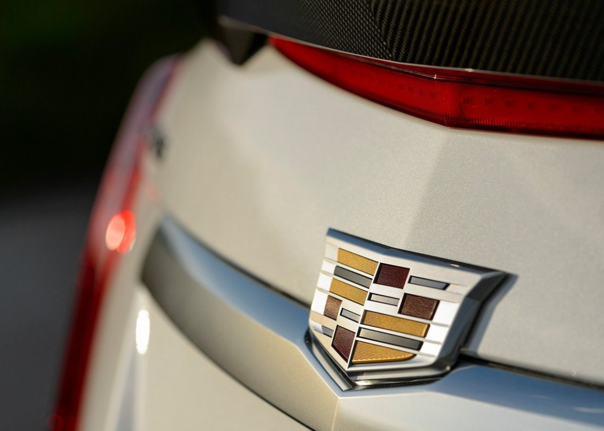 8 Cadillac CTS V Redesign, Price & Release Date - Autocarplanet - 2020 cadillac logo