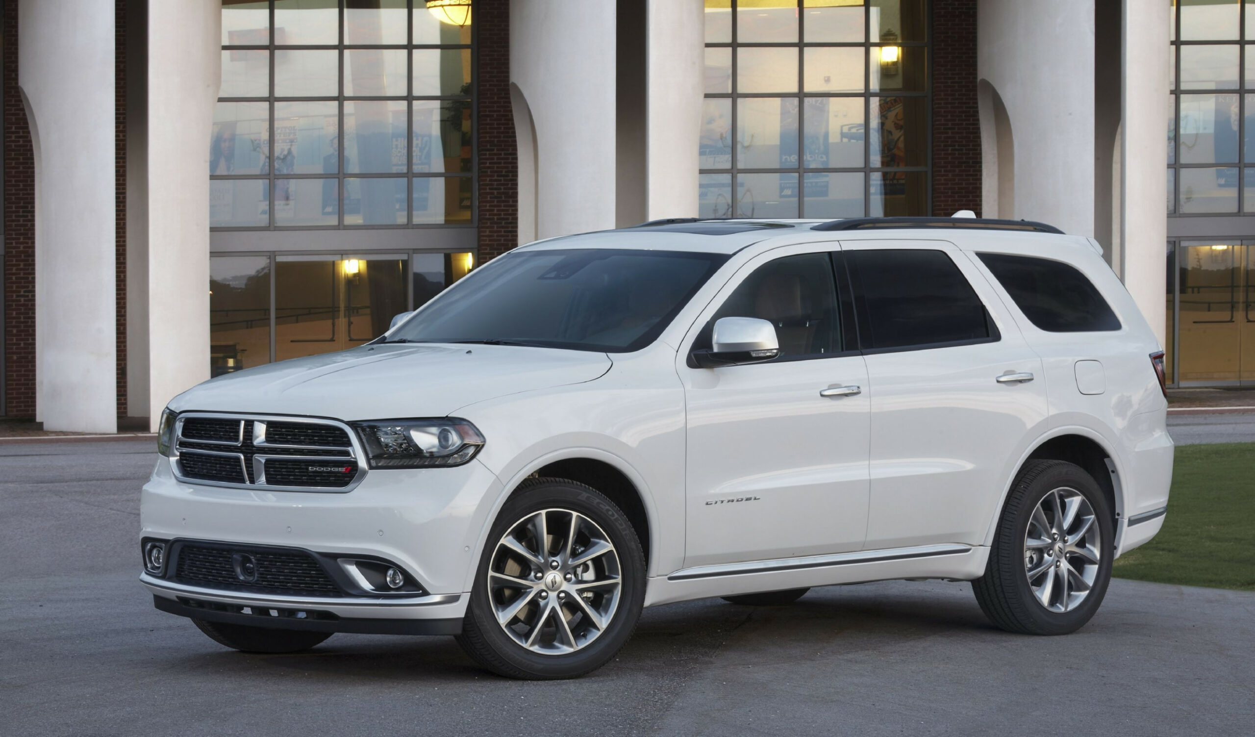 8 Dodge Durango Review, Pricing, and Specs - 2020 dodge full size suv
