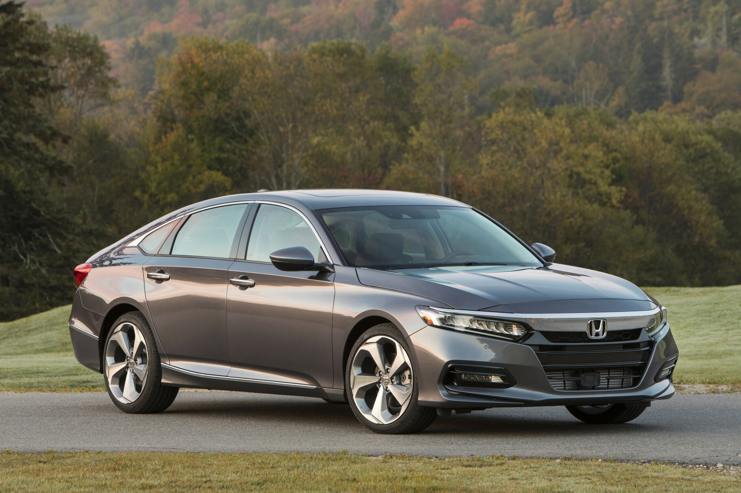 8 Honda Accord Arrives Tuesday With Ever-So-Slightly Higher ...
