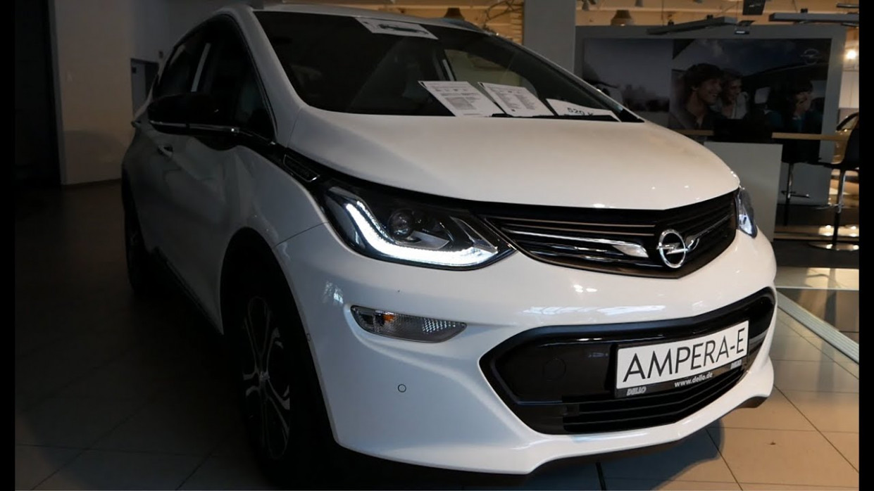 8 New Opel Ampera-E Exterior and Interior