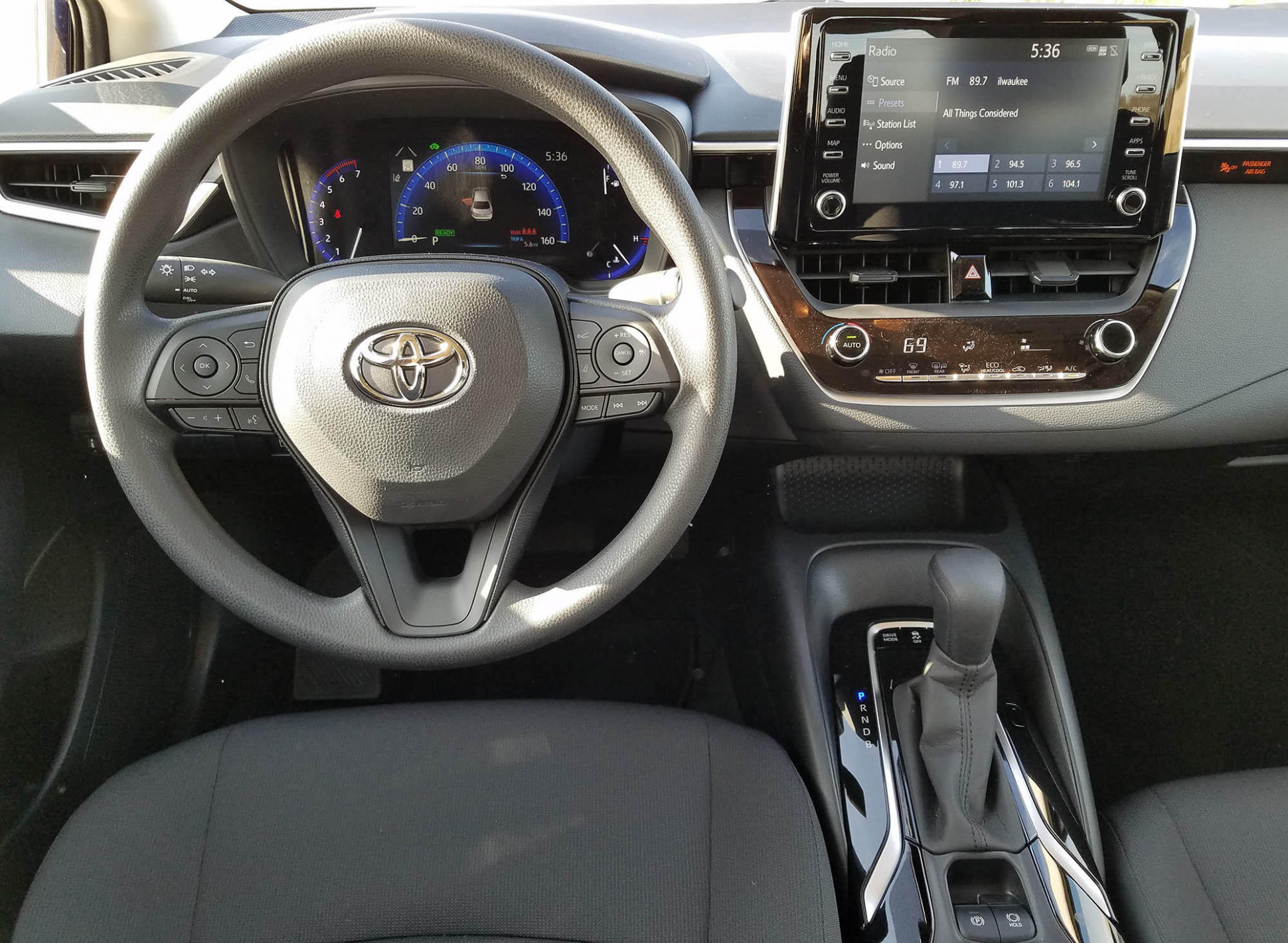 8 Toyota Corolla LE Hybrid Review: High Value, High MPG & Low ...