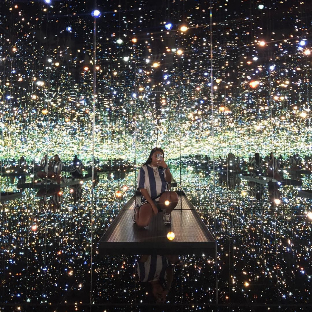 """Broad museum at downtown Los Angeles """"Infinity mirror room by .."""