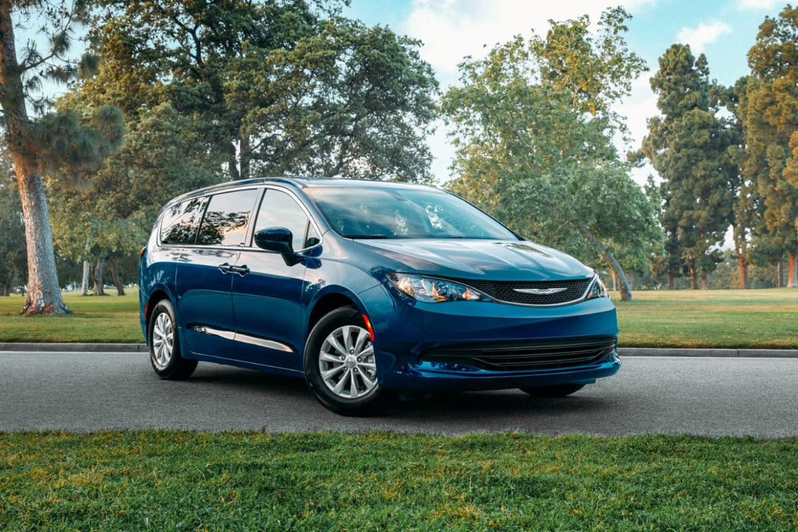 Chrysler Voyager Vs. Dodge Grand Caravan