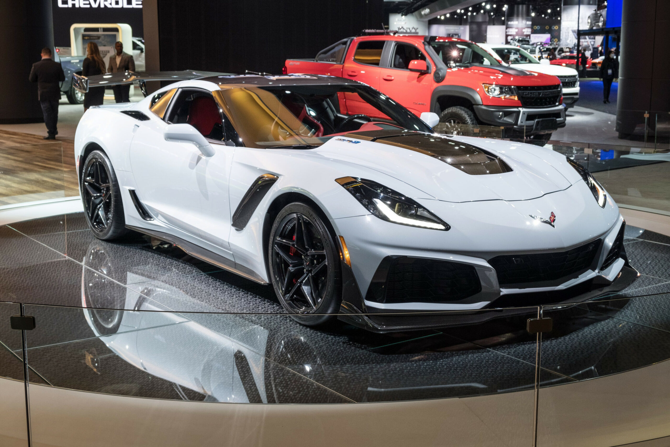 Corvette C8 for 8 is so fast, its frame bends in tests - chevrolet zr1 2020