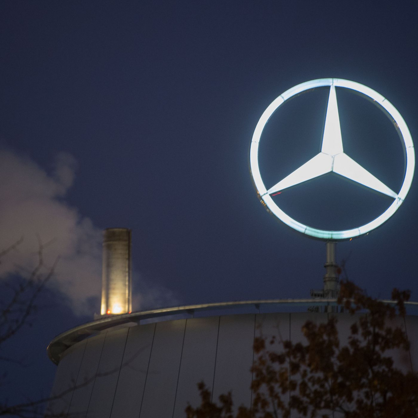 Daimler fined nearly $8 billion for selling cars that cheated ..
