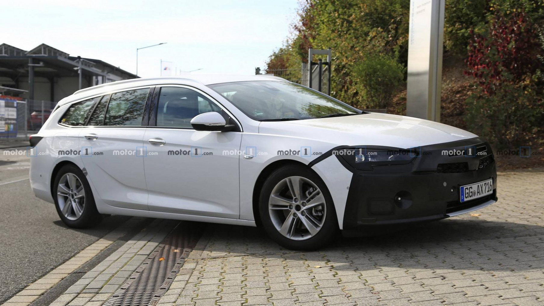 Erlkönigbilder: Opel Insignia Sports Tourer (10) | motor.at