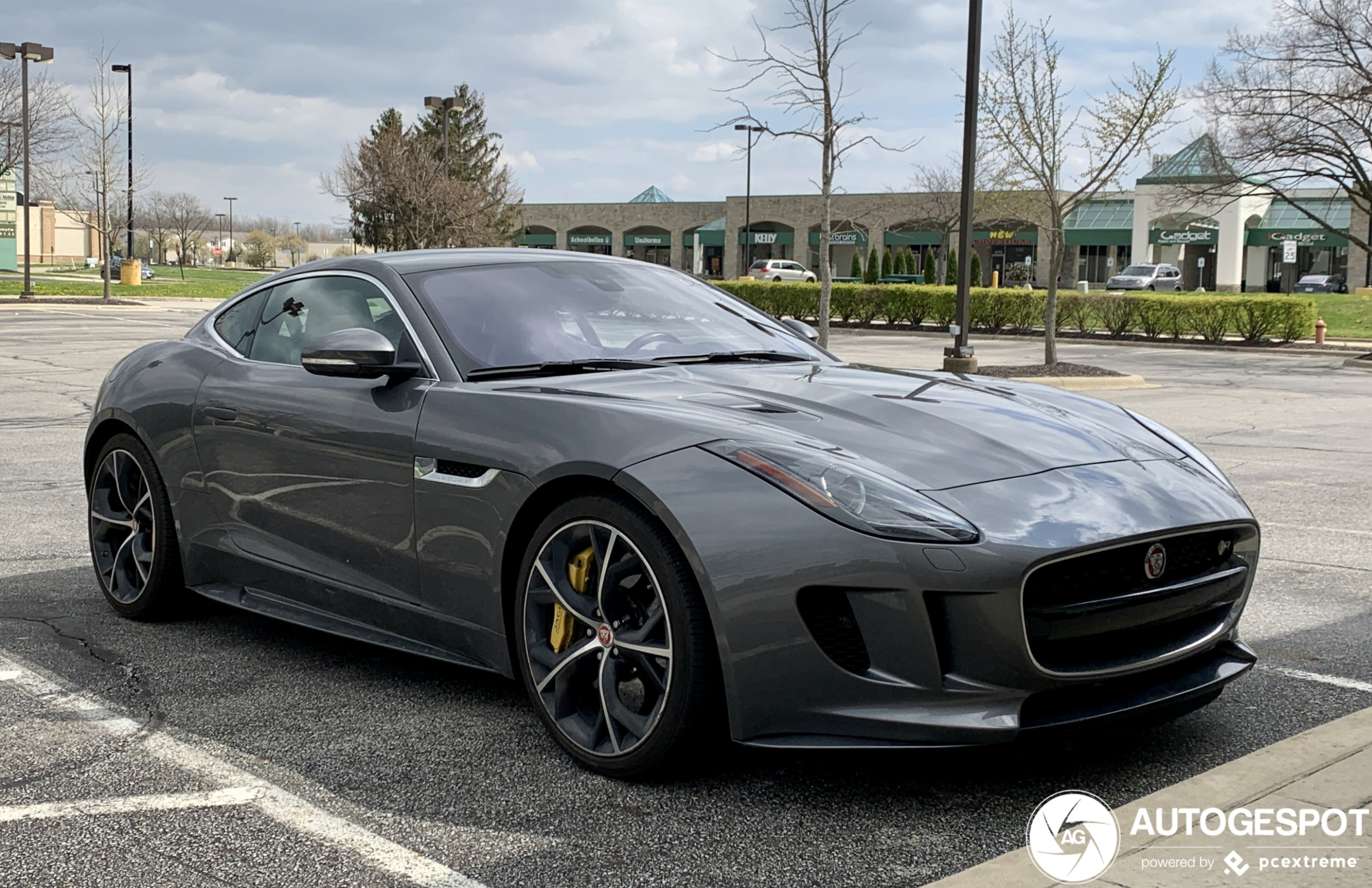 Jaguar F-TYPE R AWD Coupé - 7 April 7 - Autogespot - 2020 jaguar awd