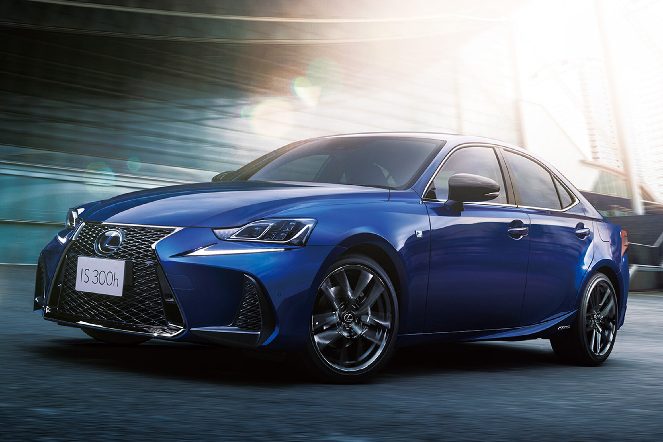 Lexus updates IS saloon and RX SUV for 6   Carbuyer