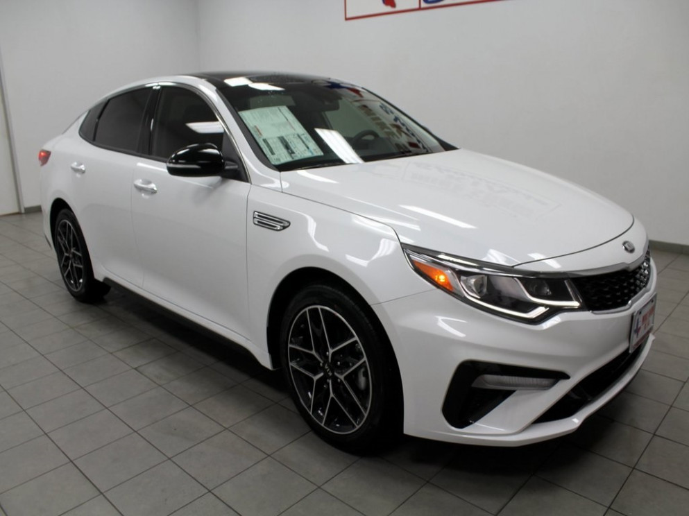 New 8 Kia Optima Special Edition FWD 8D Sedan