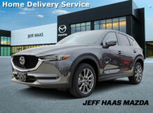 New 8 Mazda CX-8 Signature AWD With Navigation & AWD