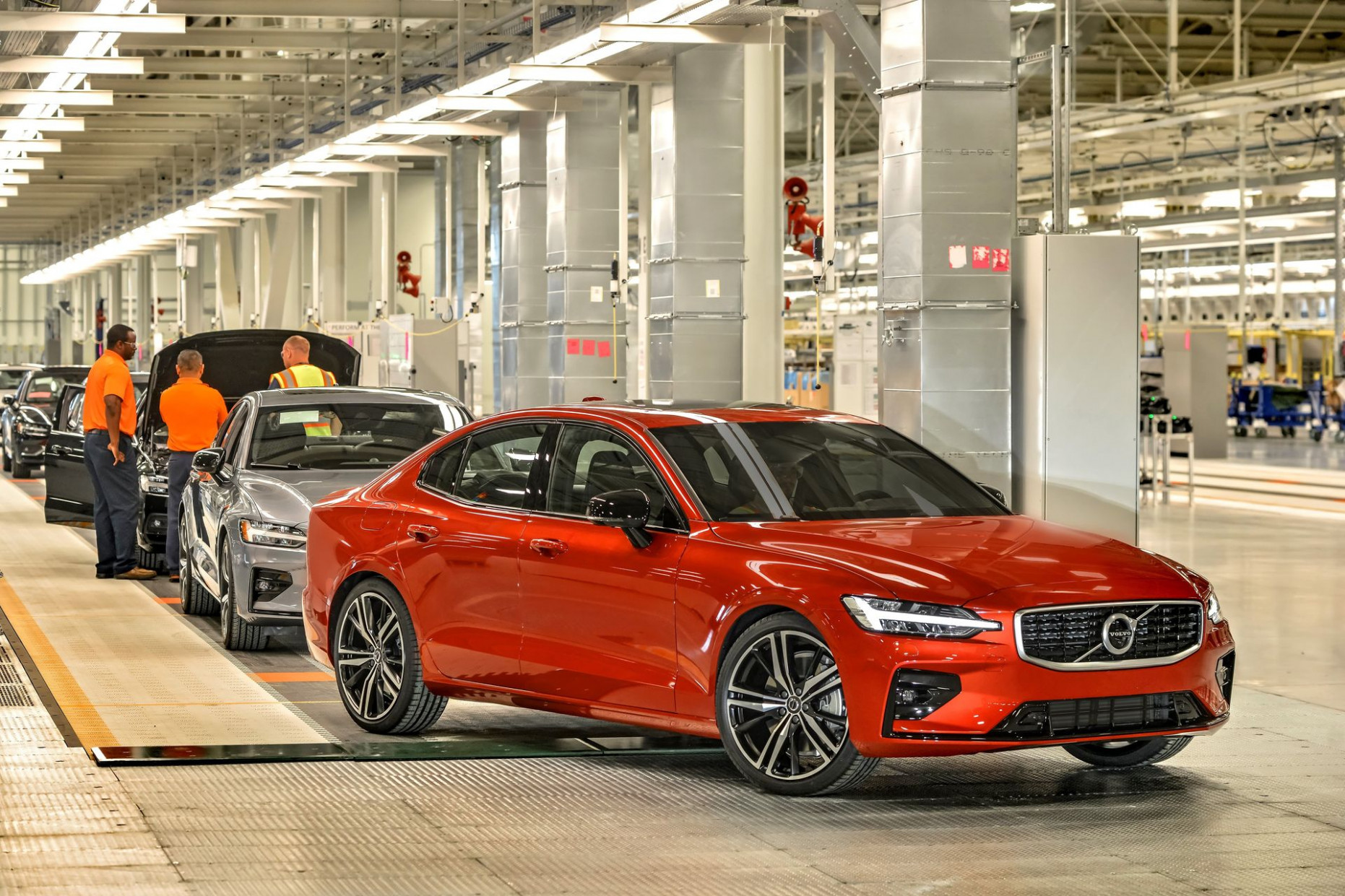 Volvo Releases Details & Pricing For New 6 S6 T6 Plug-In ..