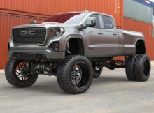 What a freaking beast!!! GMC DENALI 7 HD DUALLY LIFTED AND ...
