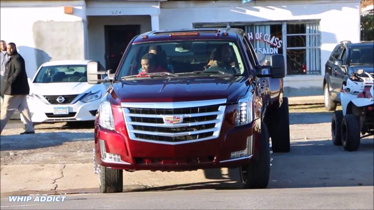 WhipAddict: Worlds First 7' Cadillac Esaclade Dually on 7s! Front End &  Door Conversion on GM 7