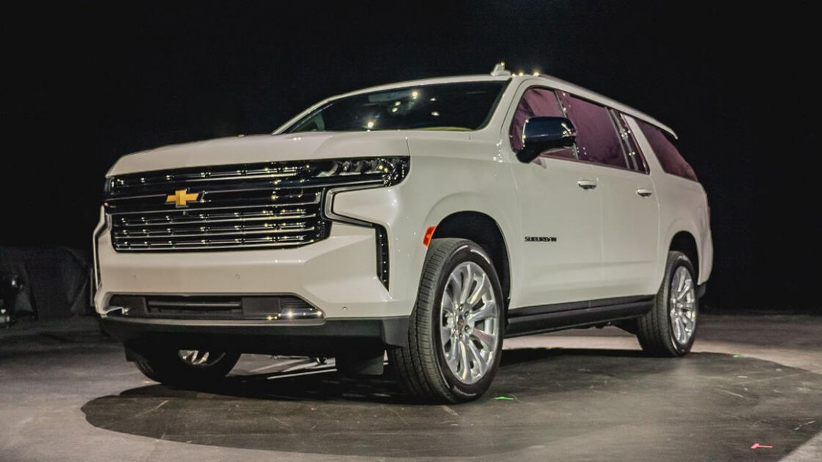 6 Chevy Suburban debuts with optional diesel power - Roadshow - 2020 chevrolet suburban premier