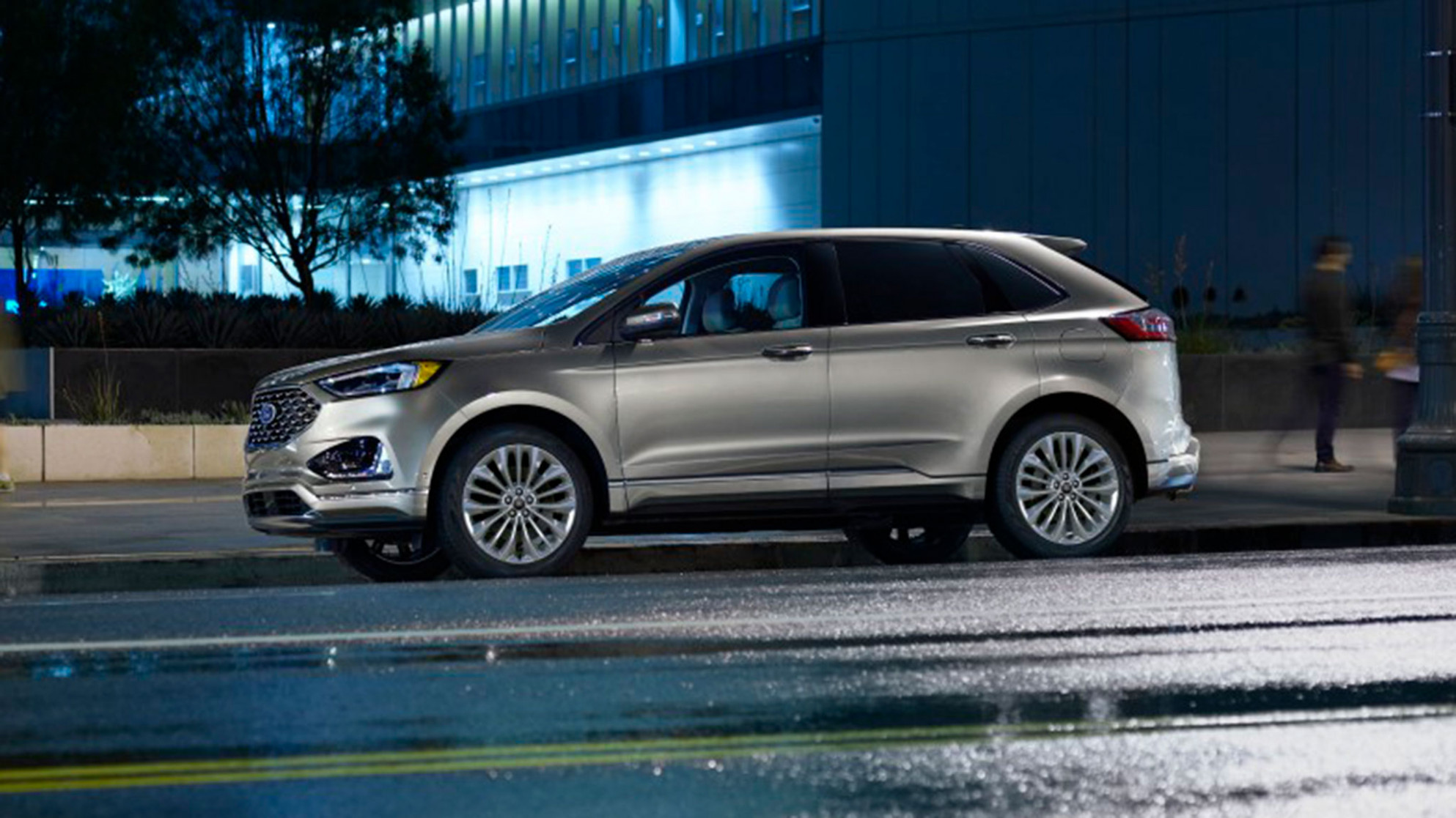 6 Ford Edge Buyer's Guide: Reviews, Specs, Comparisons