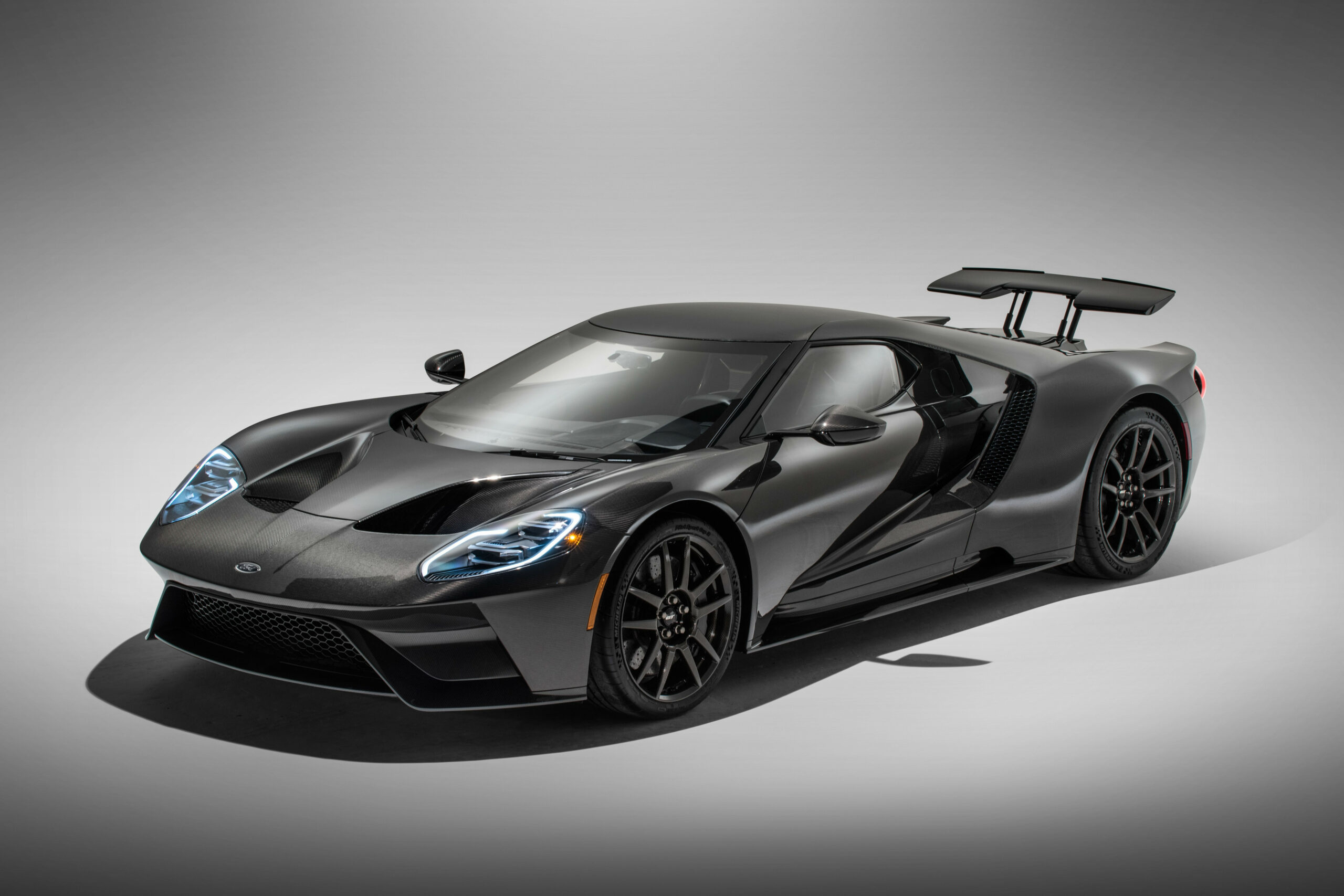 6 Ford GT Review, Pricing, and Specs