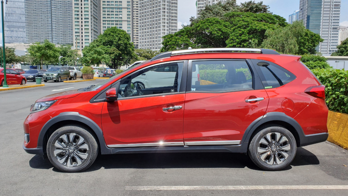 6 Honda BR-V 6.6 V CVT: Review: Specs, Features, Price, Photos