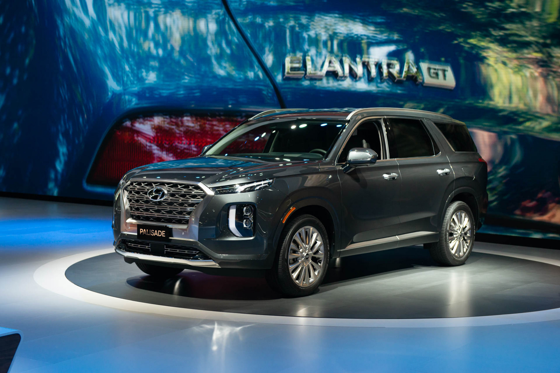 6 Hyundai Palisade crossover first look: Big SUV doesn't fall ...