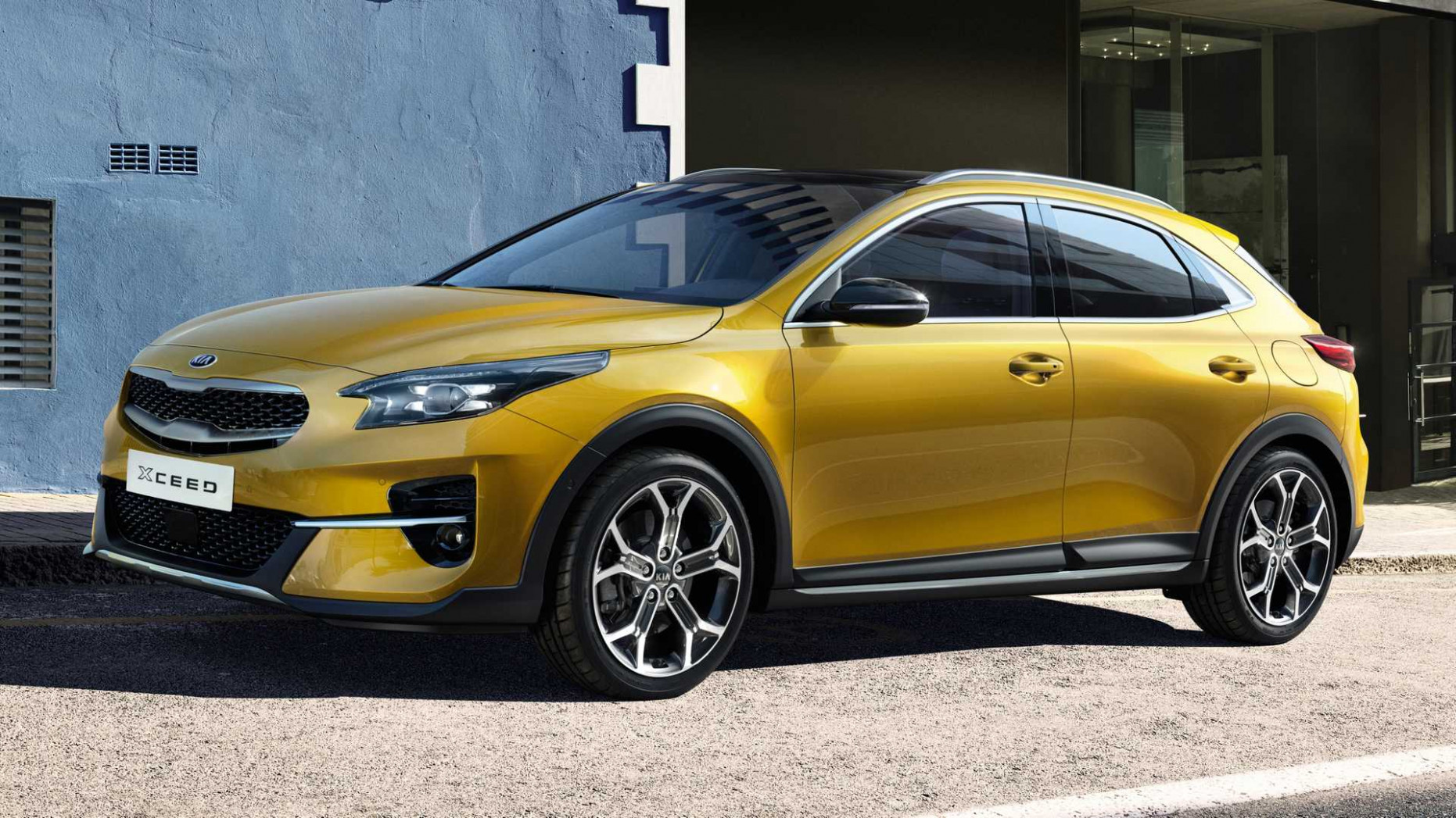 6 Kia XCeed Debuts As Stylish Compact Crossover For Europe
