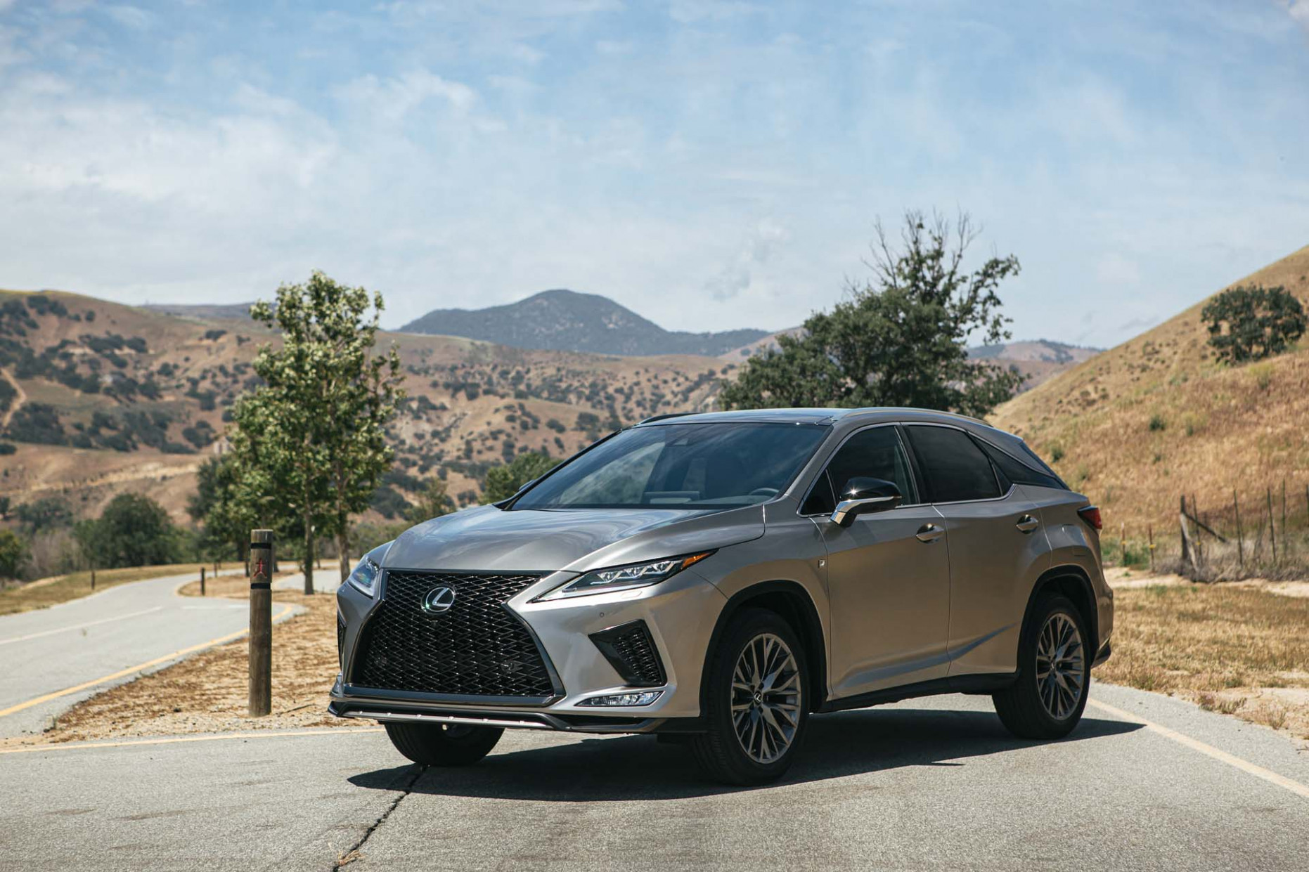 6 Lexus RX gets a nip, a tuck, and a touchscreen