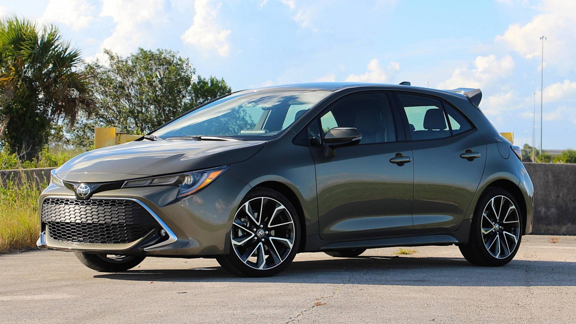6 Toyota Corolla Hatchback XSE Review: iM Lovin' It