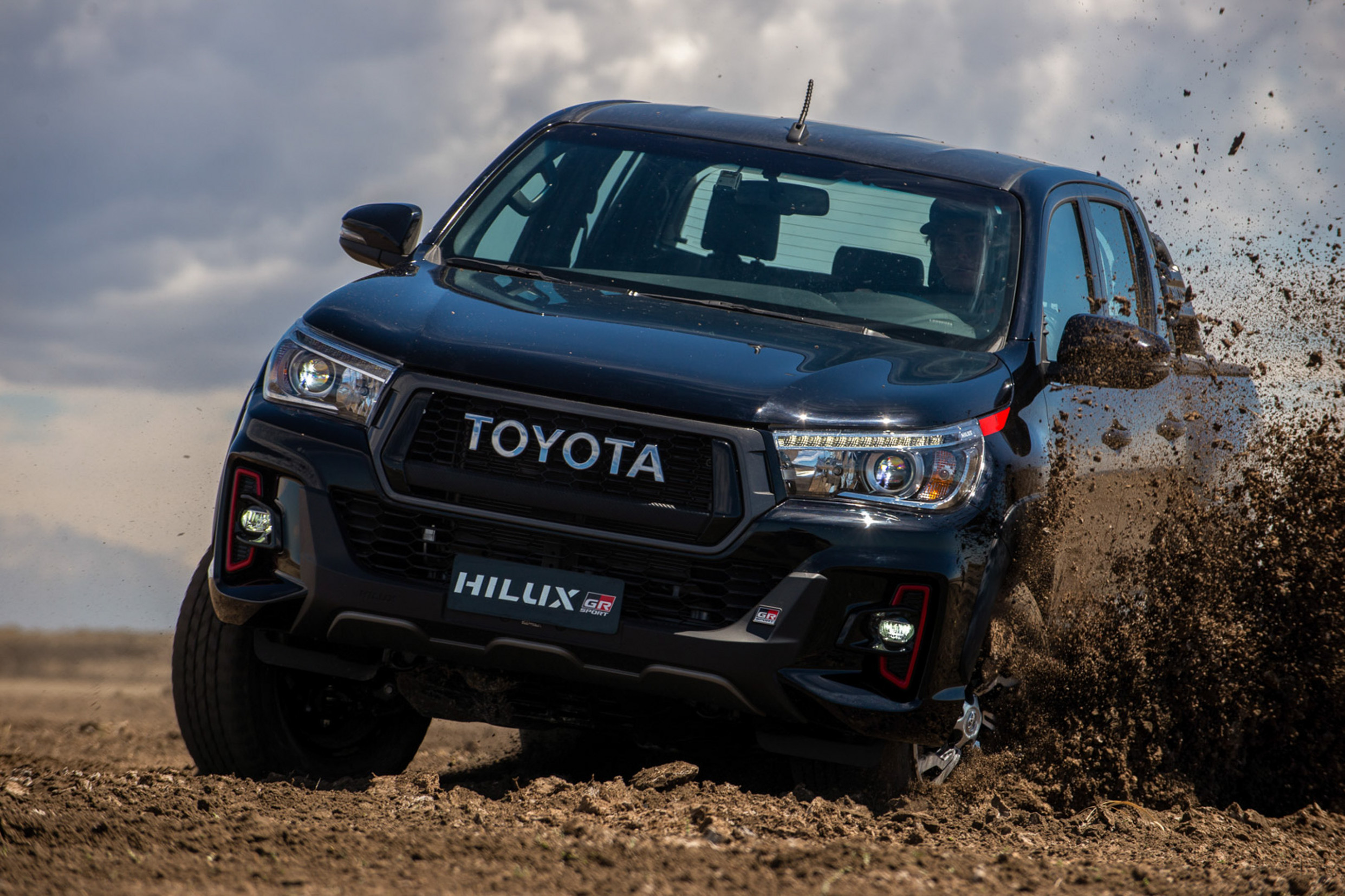 6 Toyota Hilux GR Sport swaps diesel for gasoline V6 - Auto News - toyota hilux 2020 price philippines