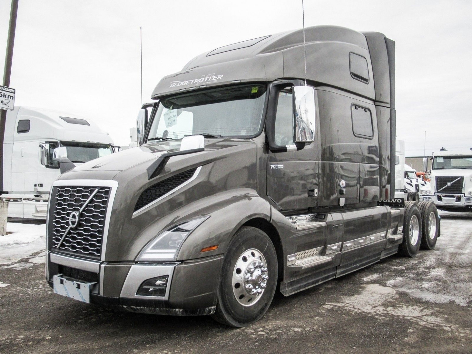 6 Volvo Vnl 6 Exterior Colors (With images) | Volvo trucks ..