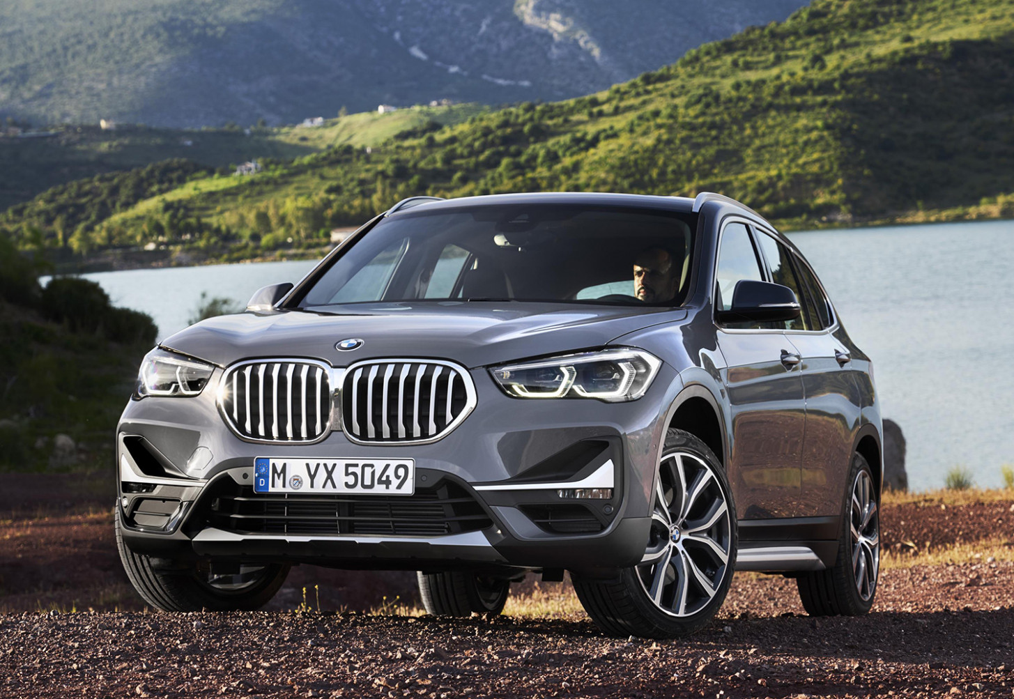 7 BMW X7 plug-in hybrid goes global - bmw jobs 2020