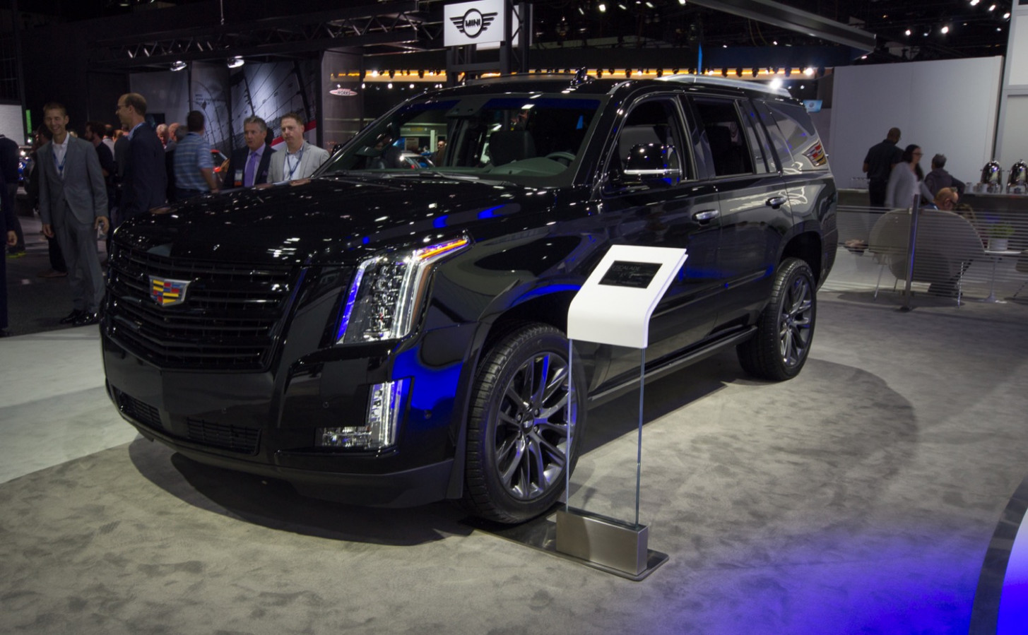 7 Cadillac Escalade Changes, Updates, New Features | GM Authority - 2020 cadillac escalade new features