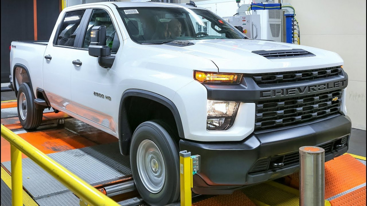 7 Chevrolet Silverado HD Production